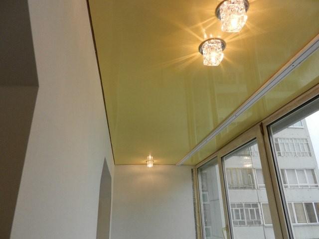 Делают ли натяжной потолок на балконе? можно ли устанавливат.